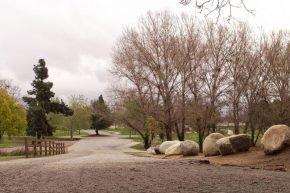 Woodley_park_access_road
