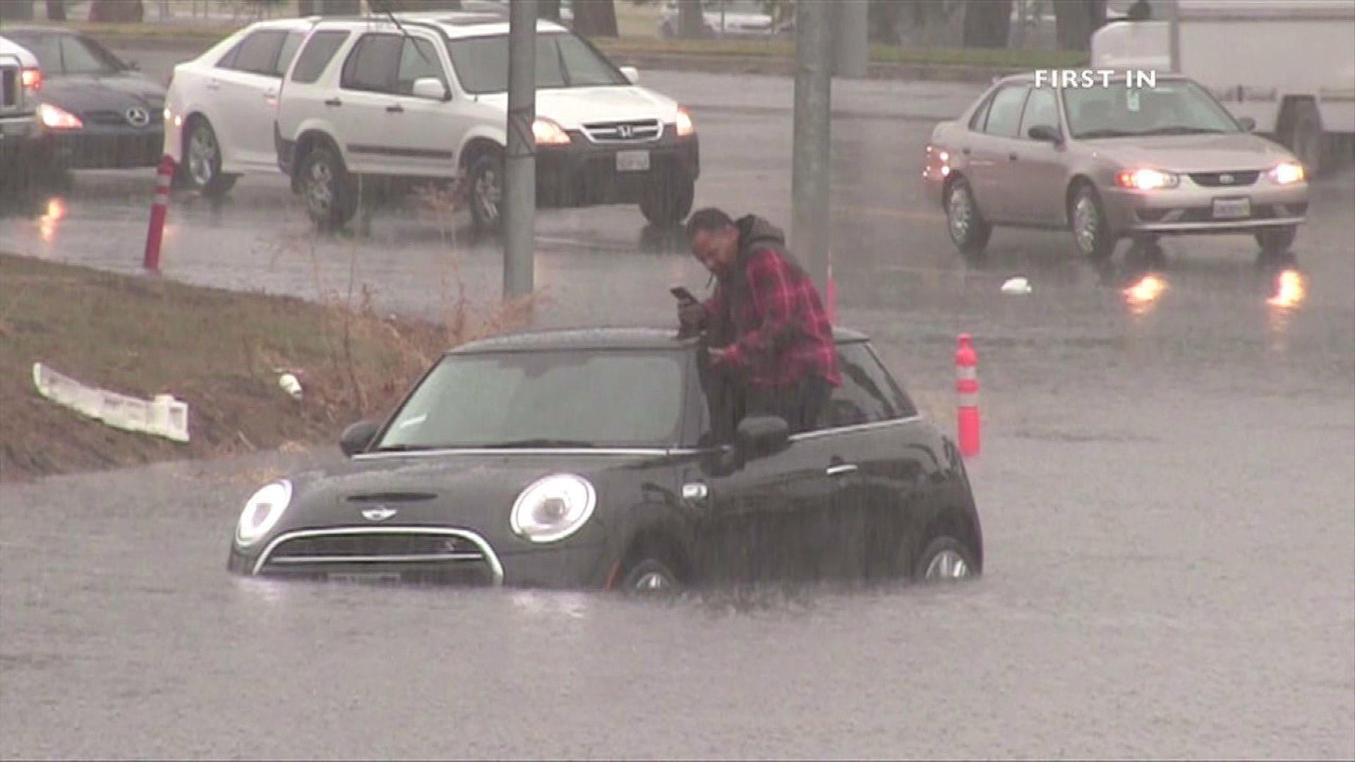 stranded-car.jpeg